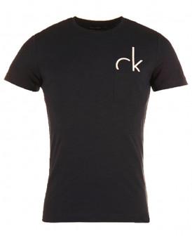 T-shirt poche Calvin Klein...